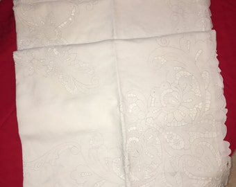 Hand embroidered linen bedspread notch