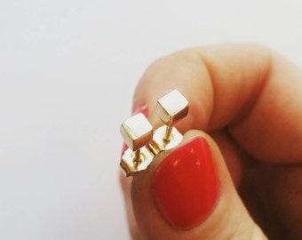 Graphic Minimalist Gold Cube Studs. 14K Gold Cube Studs. Solid Gold Studs. 14K Yellow Gold Cube studs.
