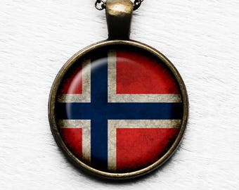 Nowary Norwegian Flag Pendant & Necklace