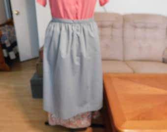 Grey half apron, Gray half apron, woman half apron, Amish apron, Mennonite apron, Quaker apron, Pioneer apron, Pioneer trek, kitchen apron