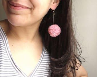 Small Pom-Pom Earrings - Dusty Pink