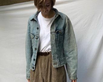 distressed 80s jean jacket / faded cropped denim jacket / lee light wash jean jacket   xs