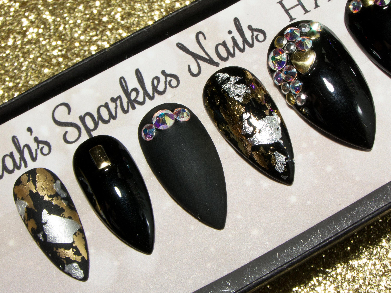 Press On Nails with Nail Art - Pointy Acrylic Nails Crystals - Matte ...