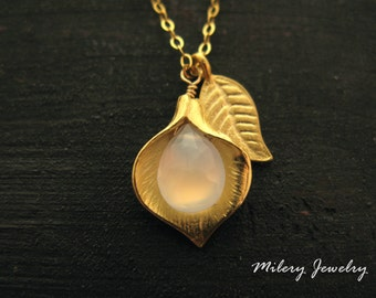 Light Blue Chalcedony Gemstone Pendant Necklace, 14k Gold Filled, Personalized necklace, Calla Lilly Necklace, Layering, Gold Vermeil