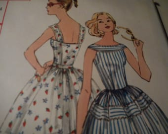 Vintage 1950's Simplicity 2124 Dress Sewing Pattern Size 14 Bust 34