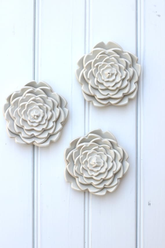 white wall flowers, set of 3