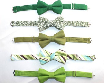 Boys Green Bow Tie, Toddler Bow Tie, Bow Ties for Boys, Toddler Green Bow Tie, Ring Bearer Outfit, Mens Green Bow Tie,  Infant Green Bow Tie