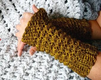 Crochet pattern, fingerless gloves crochet pattern, wrist warmer crochet pattern, crochet glove pattern (264) INSTANT DOWNLOAD