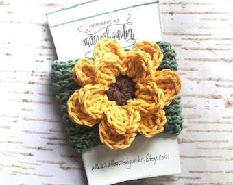 Sunflower Coffee cozy, coffee sleeve, crocheted coffee cozy, handmade coffee sleeve, coffee cozy with sun flower