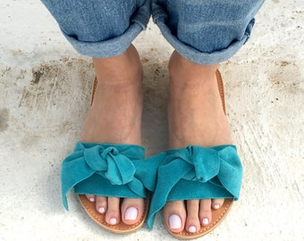 bow sandals in blue leather
