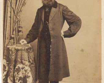 CDV of of well dressed bearded man in overcoat / carte de visite