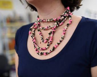 String of pearls - pink camo necklace