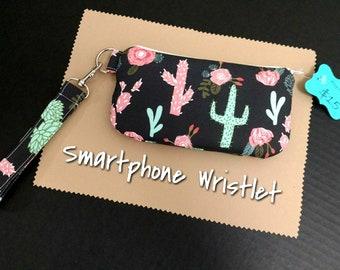 Cactus Smartphone Wristlet