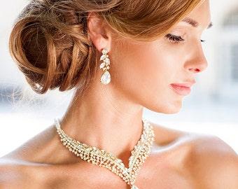 Handmade crystal teardrop wedding earrings. Crystal dangle bridal earrings. Rhinestone wedding earrings. Gold crystal dangle earrings.