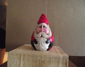 Round Sitting Santa