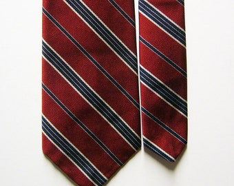 Vintage Regimental Silk Necktie w/ Red, Black & White Diagonal Stripes - Ivy League, Collegiate