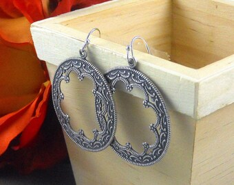 Gypsy Silver Earrings,Antique,Vintage Style,Wedding,Bride,Antique Earrings,Boho Earring,Hoop Earring, Round Scalloped