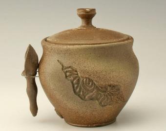 ceramic sugar jar, spice jar, ceramic sugar pot, lidded jar with scoop, salt cellar, carved lidded jar, rustic jar, pottery jar, Shikha