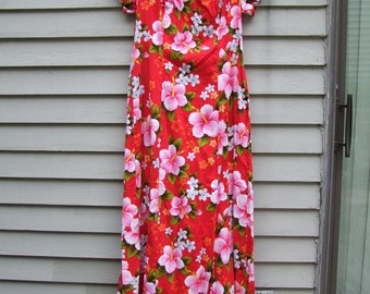 Vintage Hawaiian floral maxi length Caftan ala 1970s beautiful