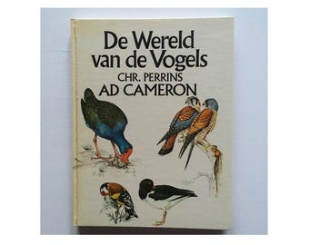 Vintage book The World of Birds