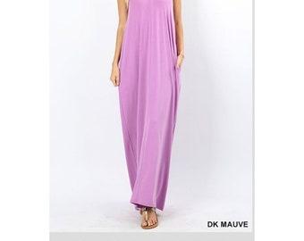 V-neck maxi dress with pockets