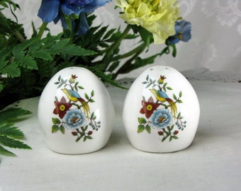 Vintage Salt and Pepper Shakers ~ Fine Bone China ~ Egg Shape ~ Hand Painted ~ Made in England ~ Bird ~ 1960s