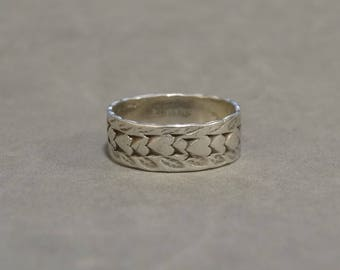 Vintage Sterling Silver Heart Ring Band Hand Etched Hearts Size 7 Marked Sterling Alternative Wedding Ring Promise Ring