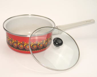 Vintage 70s cooking pot with handle