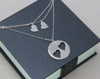Mother Daughter Heart Necklace Set Mom Two Daughters Necklace Mom Necklace Sterling Silver Two Hearts Pendant Mom Daughter Necklace
