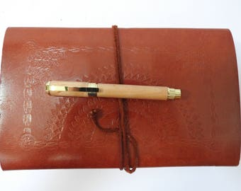 Graduate Fountain Pen - in Beech