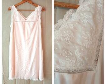 Saks Fifth Avenue rose tan slip size Medium Lace