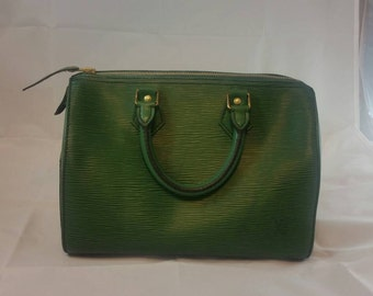 Authentic Louis Vuitton Speedy 25 in Green Epi Leather