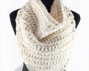 Cream Crochet Triangle Scarf, Beige Bandana Cowl, Crochet Neck Warmer, Triangle Crochet Cowl, Ribbed Crochet Bandanna Scarf, Off White Cowl