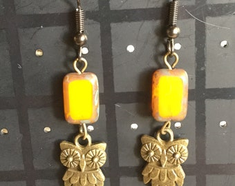 Light topaz Picasso Czech glass table cut beads and bronze owl earrings