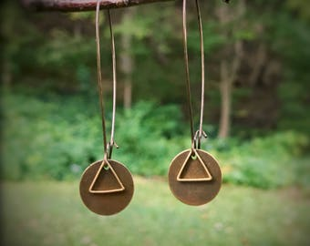 Circle and triangle mod geometric antiqued and raw brass earrings, mixed metals