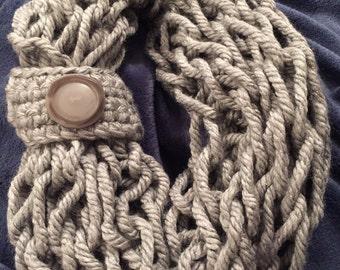 Soft chunky infinity-circle scarf