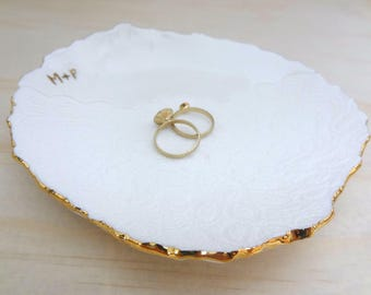Personalised ring dish with gold or silver initials and rim. Gold or silver ring bowl. Personalised wedding or engagement gift. Ring pillow.