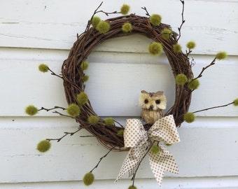 Natural Grapevine Owl Wreath