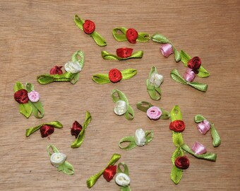Set of 24 small roses in matching color satin