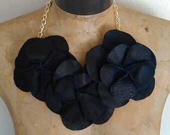 Black Leather Rosette Necklace Neckpiece