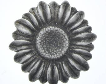 Sunflower stamping charm 26mm Sunflower Stamping, Antique Silver, sold by packages of 6 each , 03601AS