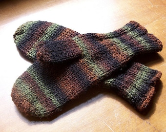 Toe-Up Mittens with Replaceable Thumb- PDF Download