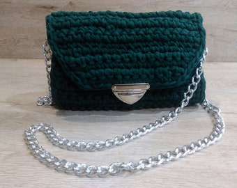 Green crossbody bag with chain cross-body