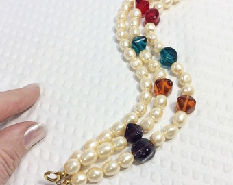 Vintage Triple Strand Pearl Bead Bracelet