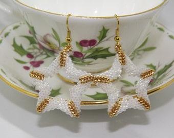 Star earrings, peyote earrings, beaded earrings, handmade earrings, white earrings, pendant earrings