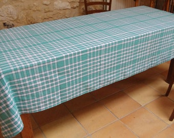 Great 1960's Green and white vintage gingham checkered tablecloth Bistro