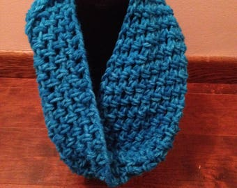 Crochet Scarf Infinity Chunky Bright Blue
