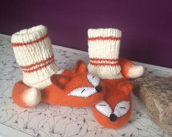 Warm, comfortable, wool baby slippers - little animals. 100% natural materials