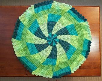 Green Pinwheel Round Lap Blanket / Baby Blanket