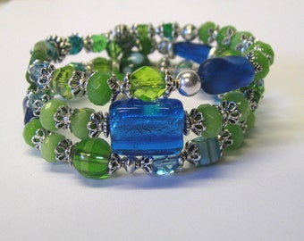 Green & Blue Beaded Three Strand Memory Wire Bracelet, Wrap Bracelet, Beach Bracelet, Beach Wedding Bracelet